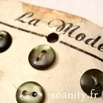 Nouveauté dans le vide-cousette : boutons vintage La Mode