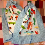 Deux sacs à pyjama/doudou/chaussons